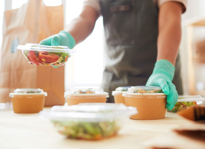 TAKEOUT & DELIVERY TOOLS FOR RESTAURANTS
